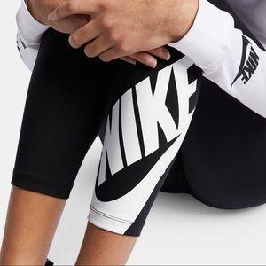 NEW ❗️ Nike Leggings - NWT ✨